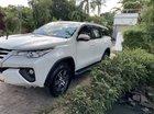 Cần bán Toyota Fortuner đời 2017, màu trắng, mới đi được 6000km
