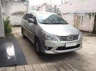 Cần bán xe Toyota Innova 2012, số sàn, màu bạc