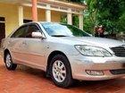 Bán xe Toyota Camry đời 2004, màu bạc