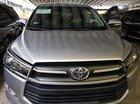 Cần bán xe Toyota Innova 2.0E 2017, màu bạc