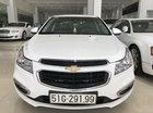 Cần bán Chevrolet Cruze sản xuất năm 2017, màu trắng, 420tr