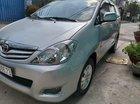 Gia đình bán xe Toyota Innova năm 2010, màu bạc, giá chỉ 415 triệu
