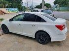 Bán xe Chevrolet Cruze LT sản xuất 2017, màu trắng xe gia đình, giá 420tr