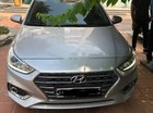 Cần bán xe Hyundai Accent 2018, màu bạc
