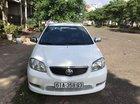Cần bán Toyota Vios đời 2004, màu trắng