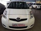 Cần bán Toyota Yaris 1.3 năm 2012, màu trắng
