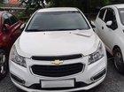 Cần bán xe Chevrolet Cruze LT năm 2017, màu trắng, giá tốt