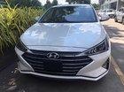 Bán Hyundai Elantra 1.6 MT đời 2019, màu trắng, 560 triệu
