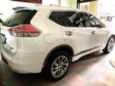 Cần bán gấp Nissan X trail đời 2017, màu trắng