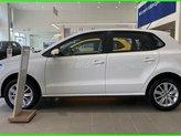 Đang tìm xe cho vợ, xe nhập, an toàn chọn xe nào, gọi Thuận có giá đặc biệt T5/2021 cho Polo Hatchback màu trắng