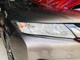 Bán Honda City CVT sản xuất 2017 màu bạc