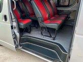 Bán Toyota Hiace 2014, màu bạc số sàn, giá 395tr