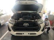 Toyota Hilux 2.4E 4x2 MT sản xuất năm 2021, màu trắng giao ngay0