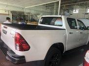 Toyota Hilux 2.4E 4x2 MT sản xuất năm 2021, màu trắng giao ngay1