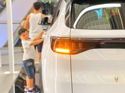 [Vinfast Landmark 81] giá tốt nhất miền Nam, xe có sẵn tất cả các màu, giao xe toàn quốc, hỗ trợ lên đến 90% giá trị xe9