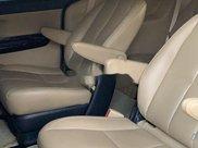 Cần bán Kia Sedona năm sản xuất 2018, màu trắng8