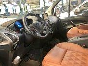Xe lướt - bán Ford Tourneo Titanium đời 2019, màu trắng4