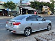 Bán xe Hyundai Avante sản xuất 2015, màu bạc như mới0