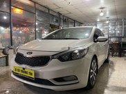 Bán Kia K3 2.0AT sản xuất năm 2014, màu trắng còn mới2
