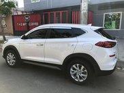 Bán xe Hyundai Tucson 2019, màu trắng còn mới, giá 750tr0