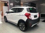 Xe VinFast Fadil 2021 bản cao cấp, màu trắng, giao ngay kèm quà tặng chính hãng3