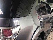Xe Toyota Fortuner năm sản xuất 2013, màu xám còn mới1
