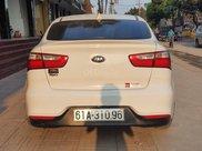 Cần bán Kia Rio sản xuất 2016, màu trắng xe còn mới nguyên bản, máy móc ổn định2