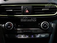 Đánh giá xe Hyundai Kona 2018: Các nút điều khiển.