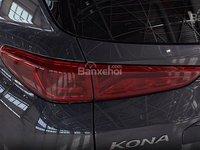 Đánh giá xe Hyundai Kona 2018: Đèn hậu tích hợp LED.