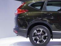Đánh giá xe Honda CR-V 2018 bản 7 chỗ: Thiết kế cửa hất về phía đuôi.