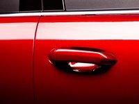 Đánh giá xe VinFast LUX SA2.0: Tay nắm cửa cùng màu thân xe....