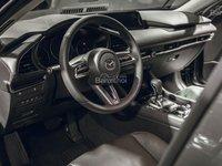 Đánh giá xe Mazda 3 2019: Vô lăng bọc da.