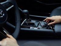 Đánh giá xe Mazda 3 2019: Cần số.