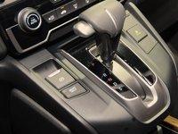 Đánh giá xe Honda CR-V 2018 bản 7 chỗ: Cần gạt số.