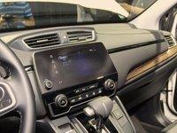 Đánh giá xe Honda CR-V 2018 bản 7 chỗ: Bảng điều khiển trung tâm.