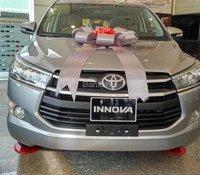 """""""Hot"""" bán Toyota Innova 2.0E 2020 - giá 741 triệu và quà tặng theo xe - đưa trước 200 triệu lấy xe"""