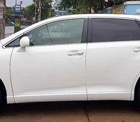 Cần bán gấp Toyota Venza 2.7 sản xuất 2010, màu trắng, xe nhập