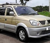 Bán xe Mitsubishi Jolie SS đời 2005, màu vàng cát, số sàn