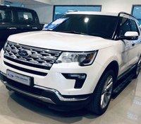 Cần bán gấp Ford Explorer Limited sản xuất năm 2018, màu trắng, xe nhập