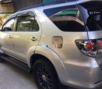 Xe Toyota Fortuner năm sản xuất 2016, màu bạc, số sàn