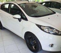 Cần bán Ford Fiesta sản xuất 2011, màu trắng
