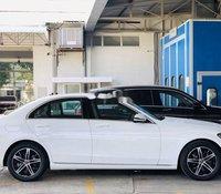 Bán xe Mercedes C180 sản xuất 2020, màu trắng. Ưu đãi hấp dẫn