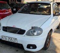 Cần bán gấp Daewoo Lanos năm sản xuất 2002, màu trắng, giá chỉ 68 triệu