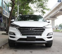 Hyundai Tucson khuyến mãi khủng cho dòng xe bán chạy nhất phân khúc, xe có sẵn màu, giao ngay, liên hệ em để tư vấn ngay
