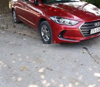 Cần bán Hyundai Elantra sản xuất 2018, màu đỏ chính chủ