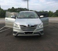 Cần bán lại xe Toyota Innova E MT năm 2014, màu bạc số sàn, giá 420tr