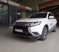 Cần bán gấp Mitsubishi Outlander đăng ký lần đầu 2019 xe gia đình giá chỉ 900 triệu đồng