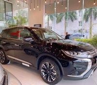 Bán Mitsubishi Outlander đời 2020, màu đen, giá tốt