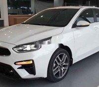 Bán Kia Cerato sản xuất năm 2020, màu trắng, giá 635tr