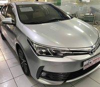 Cần bán xe Toyota Corolla Altis năm sản xuất 2018, màu bạc
